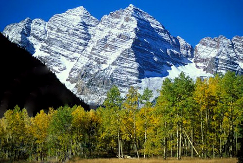 Maroon Bells in Aspen, Colorado with fall colors