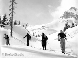 Photo of ski touring Pearl Pass in Aspen, Colorado by Franz Berko