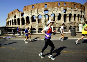 Photo of Becky Green Aaronson running the 2003 Rome Marathon