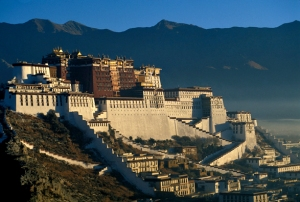 Photo of the Potala Palace in Lhasa, Tibet